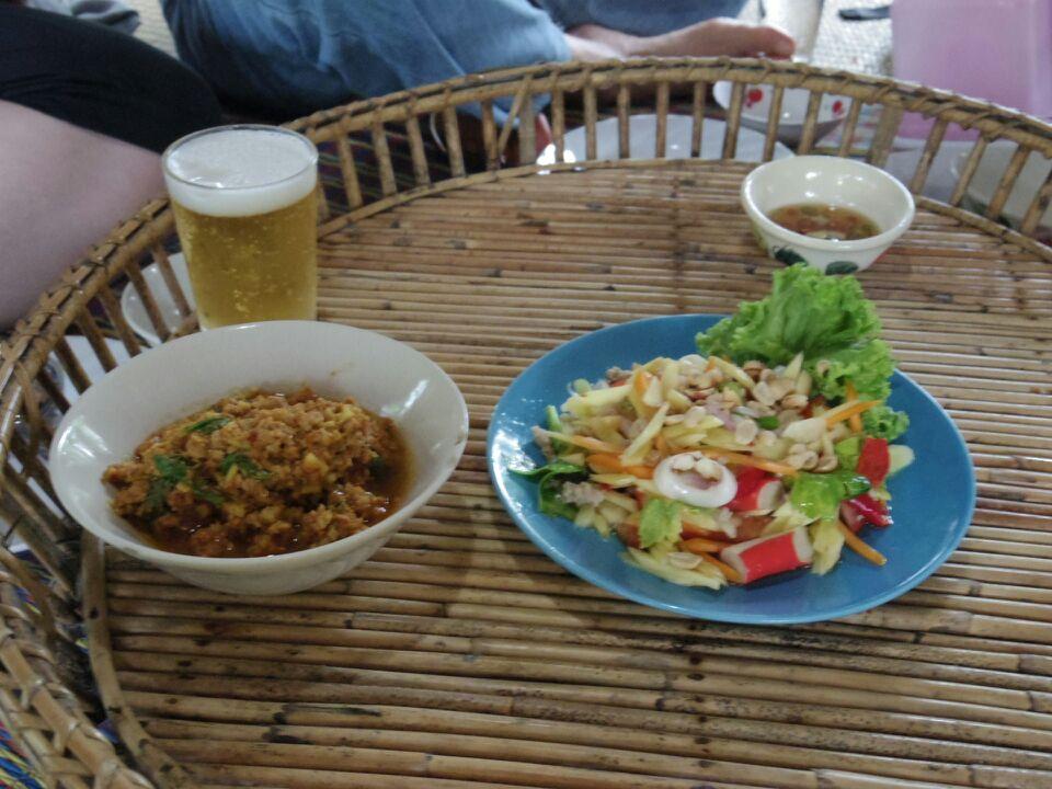 タイ東部の旅日記二日目お昼ご飯
