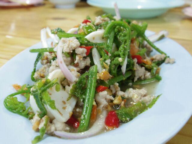 タイ東部の旅日記三日目夜ご飯